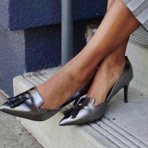 BANANA REPUBLIC Hello Sole Metallic Tassel Heels